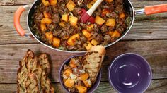 11 easy weeknight skillet dishes via @AOLLifestyle Read more: http://m.aol.com/article/2015/08/13/11-easy-weeknight-skillet-dishes-that-will-save-your-life/21222380/?a_dgi=aolshare_pinterest#slide=3581112