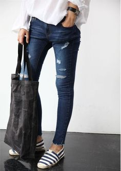 Clothes outfit for woman * teens * dates * stylish * casual * fall * spring * winter * classic * casual * fun * cute* sparkle * summer *Candice Wicks Casual Chic, Moda Casual, Casual Fall, Casual Summer, Silhouette Mode, Looks Jeans, Look Fashion, Womens Fashion, Street Style