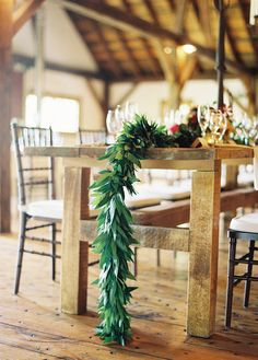 rustic holiday table, long garland