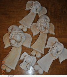 aniołki Salt Dough Projects, Salt Dough Crafts, Salt Dough Ornaments, Angel Ornaments, Diy Christmas Ornaments, Christmas Angels, Christmas Crafts, Old Fashioned Decor, Pottery Angels