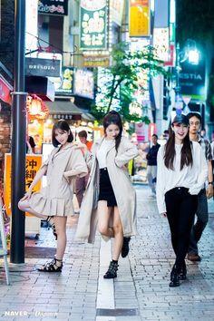 sowon, sinb, and eunha Sinb Gfriend, Gfriend Sowon, Extended Play, G Gallery, Gfriend Profile, G Friend, Kpop Outfits, Kpop Girl Groups, Jung Eun Bi