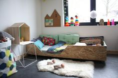 Lou-room Rylia wooden bed 1