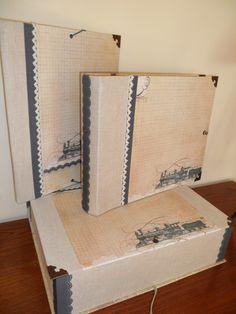Conjunto de álbum, carpeta y caja, para las fotos y recuerdos de un viaje de novios.