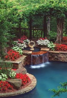 OH MY GOSH < HOW I LOVE THIS!! Beautiful outdoor space. Love the fountain!