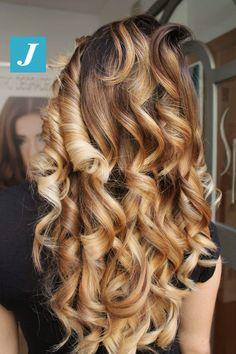 Hazelnut and Honey Shades _ Degradé Joelle  #cdj #degradejoelle #tagliopuntearia #degradé #igers #musthave #hair #hairstyle #haircolour #longhair #ootd #hairfashion #madeinitaly #wellastudionyc