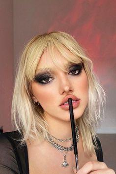 Goth Eye Makeup, Punk Makeup, Grunge Makeup, Hair Makeup, Grunge Nails, Black Makeup, 90s Grunge, Cool Makeup Looks, Pretty Makeup