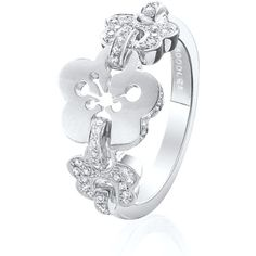 Boodles Blossom Triple Motif Ring ($2,320) ❤ liked on Polyvore featuring jewelry, rings, white gold rings, round ring, white gold jewelry, flower ring and white gold flower ring