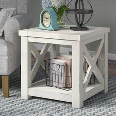Room furniture choose your excellent area with our selection of dining room poker tables, dining room chairs. Farmhouse End Tables, Diy End Tables, End Tables With Storage, Farmhouse Furniture, Pallet Furniture, Farmhouse Decor, Entryway Tables, Modern Farmhouse, Rustic Cottage