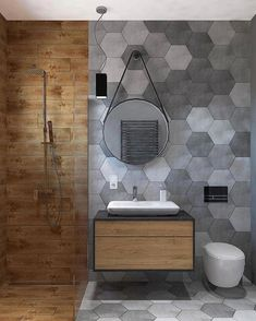 Szare heksagony i drewnopodobne płytki to świetne połączenie, prawda? Ideal Bathrooms, Upstairs Bathrooms, Laundry In Bathroom, Small Bathroom, Bathroom Design Inspiration, Bad Inspiration, Modern Bathroom Design, Bathroom Interior Design, Ideas Baños