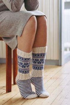 Martan juhlasukka   Martat Knitting Patterns Free, Free Knitting, Knitting Socks, Crochet Socks, Knit Or Crochet, Wool Socks, Knitting Accessories, Sock Yarn, Blue And White