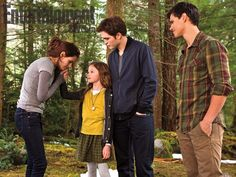 Breaking Dawn Part 2, Kristen Stewart, Mackenzie Foy, Robert Pattinson and Taylor Lautner