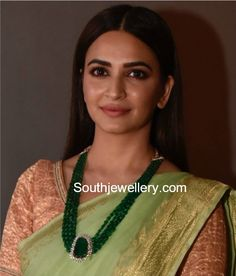 Necklaces Simple Kriti Kharbanda in a four line emerald beads mala with diamond emerald pendant. Emerald Pendant, Emerald Jewelry, Bead Jewellery, Beaded Jewelry, Jewellery Designs, Pearl Jewelry, Jewelry Shop, Jewelery, Silver Jewelry