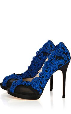 Dramatic blue baroque embroidered heels! Karen Millen is one of my new favorite designers! If only I could fit into (let alone afford) her designes.