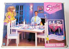 Billedresultat for sindy cooker dining room Barbie House Furniture, Doll Furniture, American Girl Furniture, Barbie Playsets, Sindy Doll, Miniature Crafts, Miniture Things, Vintage Toys, Fashion Dolls
