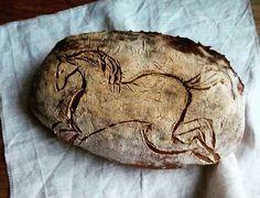 Domácí kváskový chléb - Kůň Homemade sourdogh bread - The horse Coins, Personalized Items, Coining, Rooms
