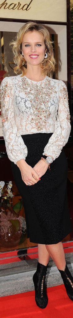 Eva Herzigova in Dolce & Gabbana F12 (Look 45)
