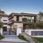 This new house is lighting up the Hollywood Hills in Los Angeles