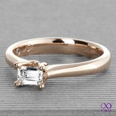 What about a princess diamond? Our Amia in rose gold #amia #rosegold #brillant #diamant #solitärring #yorxs