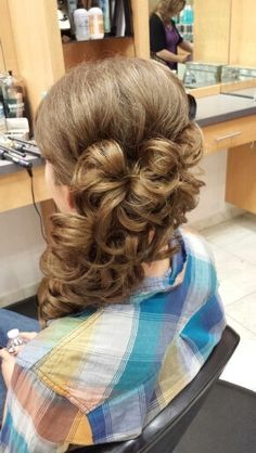 hairdos for long hair to the side