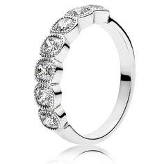 anillo corazones radiantes pandora