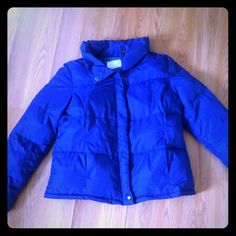 """LADIES OLD NAVY DOWN PUFFER JACKET!! SZ. """"S"""" BLUE. THIS WAIST LENGTH JACKET IS LIKE NEW IN EXCELLENT CONDITION . BEAUTIFUL COLOR BLUE. NO FLAWS TO REPORT. GREAT PRICE!! Old Navy Jackets & Coats Puffers"""