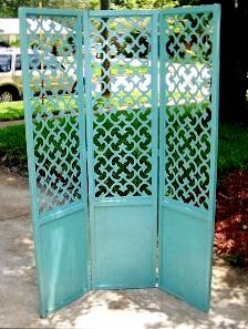 Turquoise room divider... Got the picture from my boo