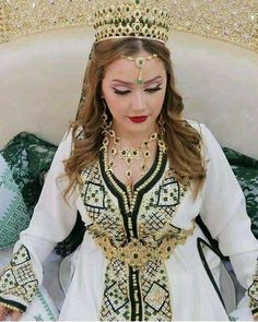 Chic Outfits, Inspiration, Fashion, Caftans, Caftan Marocain, Outfit, Accessories, Dress, Biblical Inspiration