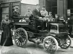 The first motor vehicle used for sale in Scotland in 1908 1920 London, Motor Car, Motor Vehicle, Black White Photos, Black And White, General Post Office, Scottish People, Royal Mail, Antique Cars