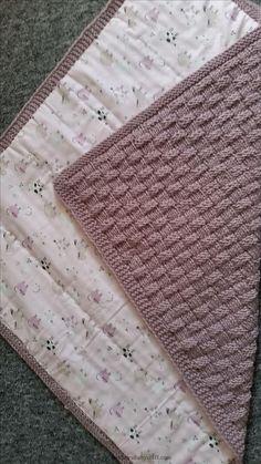 Babydeken met voedsel in mandpatroon www. Baby Knitting Patterns Yarn Baby blanket with food in basket pattern www. Baby Knitting Patterns, Crochet Blanket Patterns, Baby Blanket Crochet, Baby Patterns, Crochet Baby, Manta Crochet, Knitted Baby Blankets, How To Start Knitting, Crochet For Boys