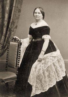 ebayimg.comCivil-War-Photos-Ladies-in-Fancy-Dresses-