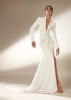The Atelier Pronovias 2021 Collection is the definition of haute couture. These gowns are stop-and-stare level, that's for sure! Pronovias Wedding Dress, Couture Wedding Gowns, Luxury Wedding Dress, Dream Wedding Dresses, Bridal Dresses, Prom Dresses, Haute Couture Dresses, Graduation Dresses, Modest Wedding