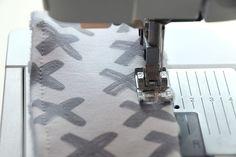 DIY: Bijtring Shibori, Baby Sewing, Diys, Handmade, Janus, Couture, Diy Clutch, Molde, Projects To Try