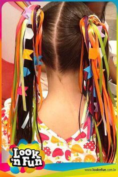 Adereços fofos para Festa Junina Party Fashion, Girl Fashion, Tiara Hairstyles, Gentleman Style, Diy For Kids, Hair Bows, Hair Clips, My Girl, Hair Makeup