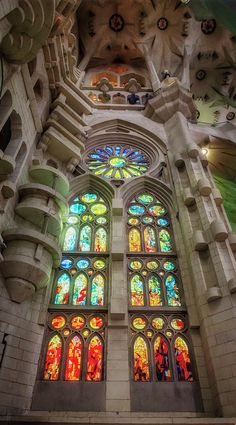 A stained glass window in Gaudi's Sagrada Familia church in Barcelona, Spain. Cathedral Architecture, Beautiful Architecture, Beautiful Buildings, Architecture Details, Beautiful Landscapes, Stained Glass Church, Stained Glass Art, Stained Glass Windows, Mosaic Glass