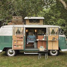 スパイスボックスでキャンプの調味料を整理整頓!おすすめスパイスボックスとキャンパーのアイデア集を紹介!キャンプのキッチンで散らかりがちな調味料は、スパイスボックスに収納すればすっきりきれい!