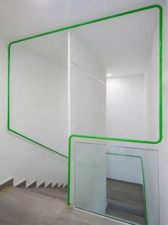 Look at that handrail! Green Bannister at the Social Services Center in Móstoles, Spain by dosmasuno arquitectos Interior Staircase, Staircase Design, Stair Design, Architecture Details, Interior Architecture, Interior Design, Installation Architecture, Building Architecture, Design Interiors