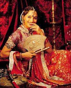 From Lamhe to Devdas, Neeta Lulla's Award-winning Bollywood Costumes Bollywood Costume, Bollywood Actress, Madhuri Dixit, Bollywood Stars, Bollywood Fashion, Indian Attire, Indian Wear, Laos Wedding, Asian Bridal Wear