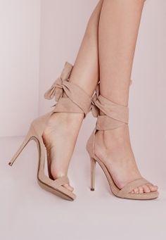Sandales à talon nude avec lanières à nouer