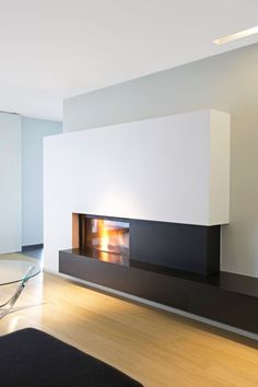 Discover the FOOGO World through the most exquisite and luxurious design firepla Kamin Home Fireplace, Living Room With Fireplace, Living Room Decor, Modern Fireplace Mantles, Modern Fireplaces, Contemporary Fireplace Designs, Muebles Living, Great Rooms, New Homes