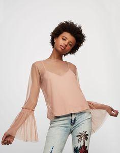 Top tulle volant froncé - Blouses et chemises - Vêtements - Femme - PULL&BEAR France