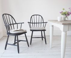 Spindle wooden farmhouse back Chuckler chairs