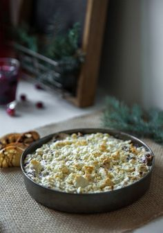 This recipe is rich and creamy, and there's no better time of year to eat it guilt-free than during the holiday season. Serve it hot or warm with croutons, and trust me: it won't stay on the table for long! Appetizer Dips, Yummy Appetizers, Vegetarian Recipes, Cooking Recipes, Nutrient Rich Foods, Buffet, Healthy Recipes For Weight Loss, Food Menu, Healthy Baking