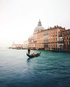 Venice, Italy #Regram via @neumarc