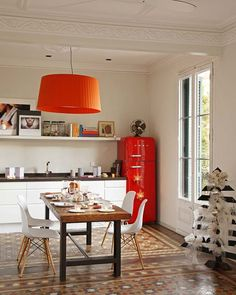 Retro-inspired Barcelona flat with cozy interiors