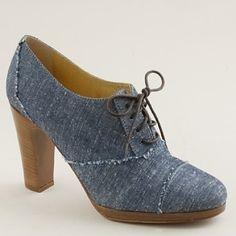 Denim shoes to go with that denim jump suit. Sure! #oxfords #laces #denim #heels
