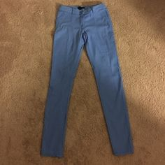 Bright blue pants Light blue pants in great condition. Imitation pockets H&M Pants Skinny