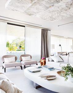 Um apartamento luxuoso e feminino em Portugal
