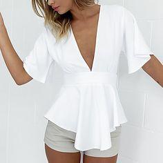 Simplee Apparel Elegant bow backless white chiffon blouse shirt Sexy v neck summer blouse women tops 2016 casual girls blusas White Chiffon Blouse, White Peplum Tops, Peplum Blouse, Work Blouse, Casual Tops For Women, Blouses For Women, Chemises Sexy, Bluse Outfit, Sexy Shirts
