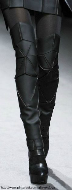 ~GARETH PUGH FW 2011 |  House of Beccaria