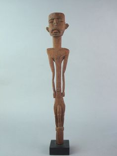 Catawiki online auction house: Ancestral figure with museum number - Asmat/Mappi - West Papua